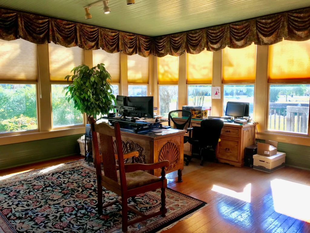 Sunny Interior Office